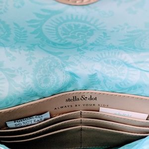 Stella & Dot Bags - Stella and Dot City Slim Gold Clutch